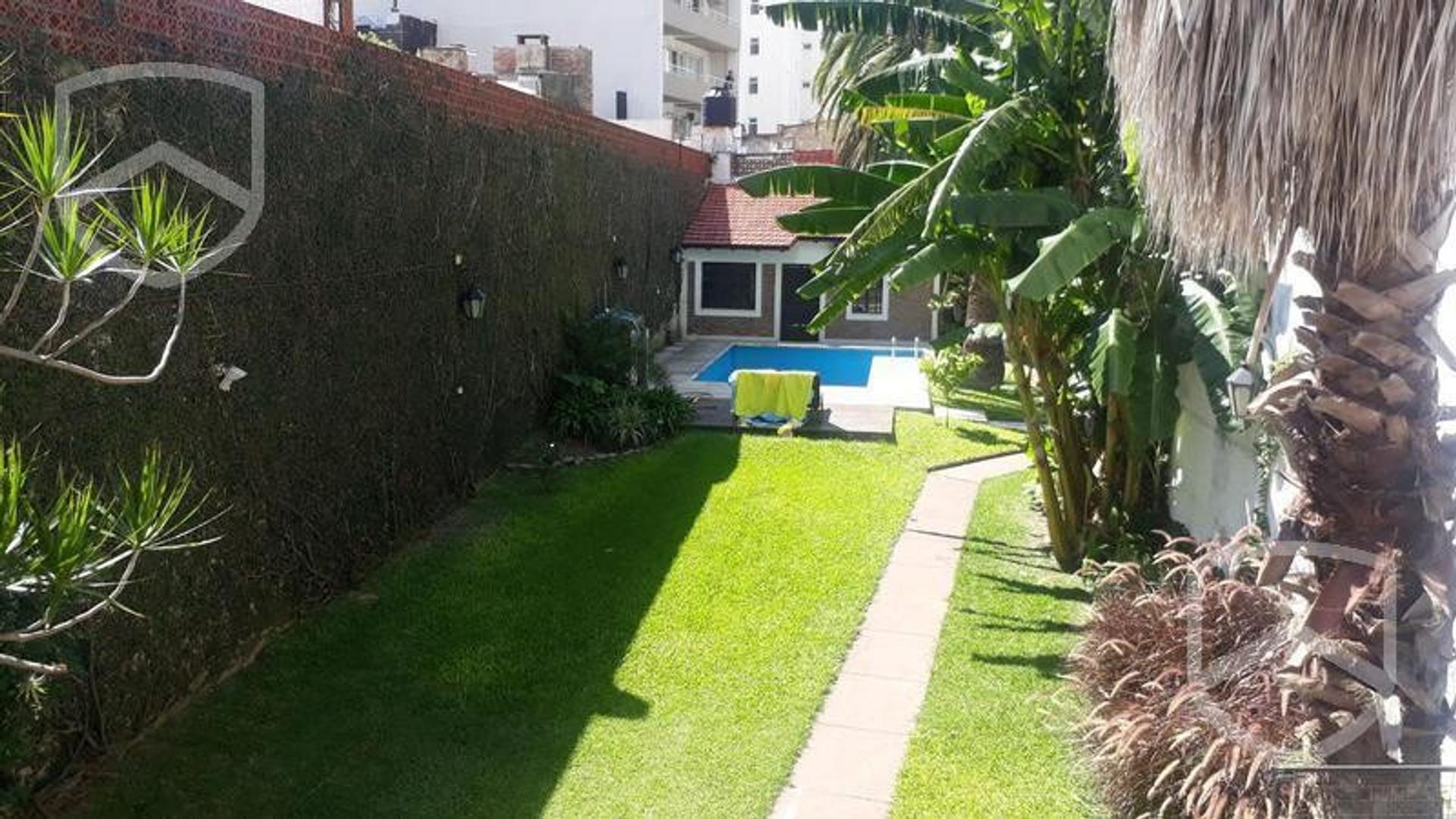Casa en Alquiler en Luis Agote - 7 ambientes
