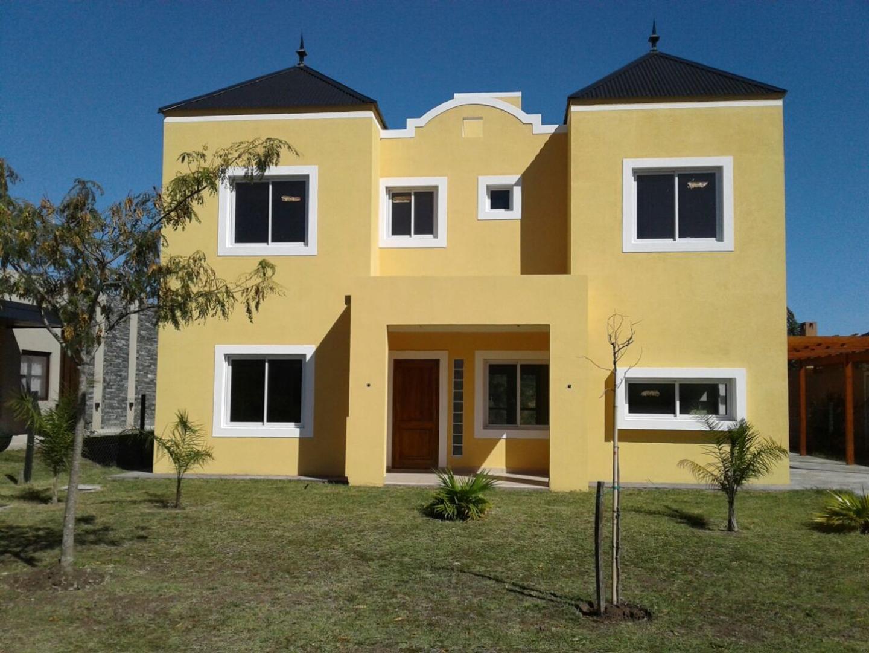 Casa en Venta en Pilar del Este - San Alfonso - 4 ambientes