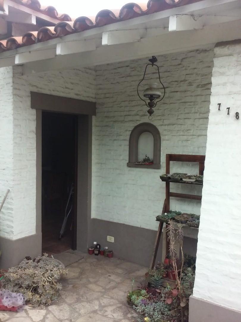 Casa en Alquiler en Jose Marmol - 3 ambientes