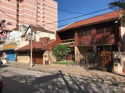 Casa Chalet Sobre Dos Lotes Centro De Ramos Mejía