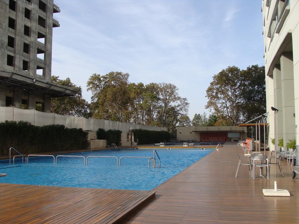 Azucena Villaflor 450 - Le Park Puerto Madero