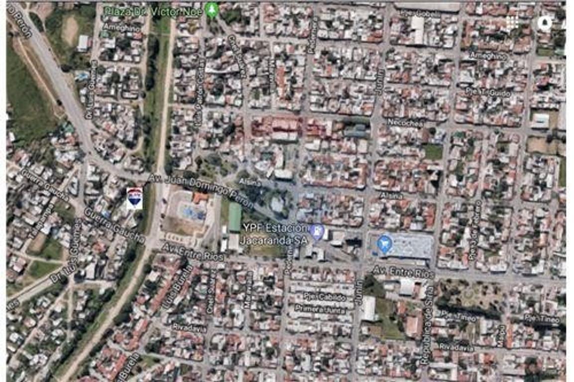 VENDO CASA E. RIOS AL 2000 ZONA MACROCENTRO