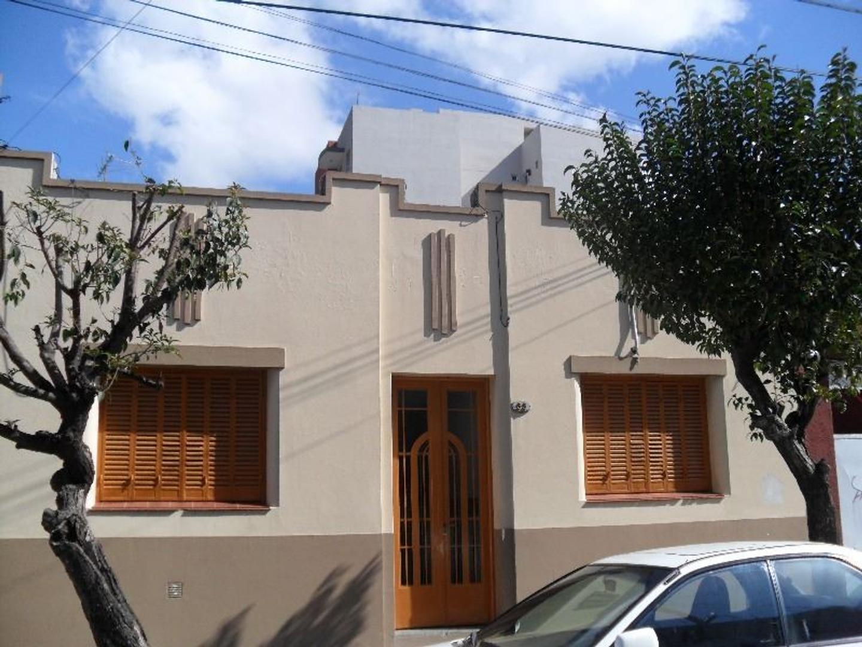 Casa de 4 ambientes en Haedo Sur