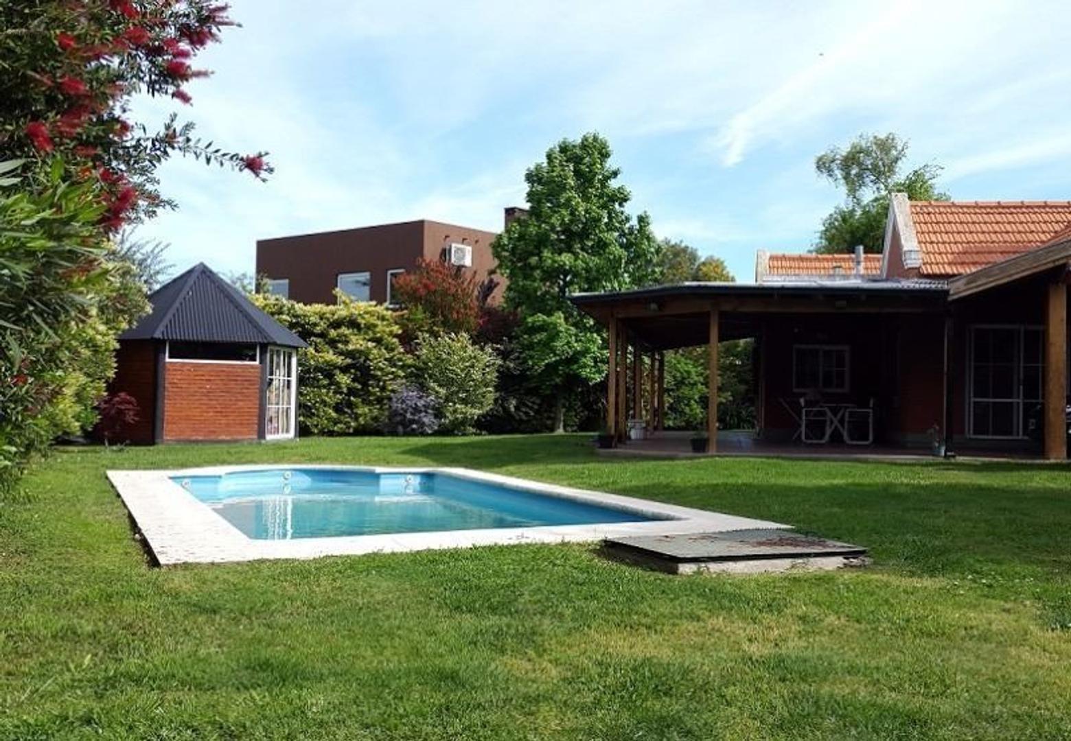 Campos de Echeverria excelente casa a la venta
