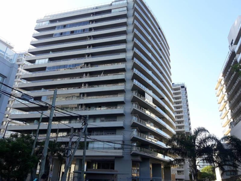 Torre Mayor- Departamento de dos dormitorios con excelente vista al río.