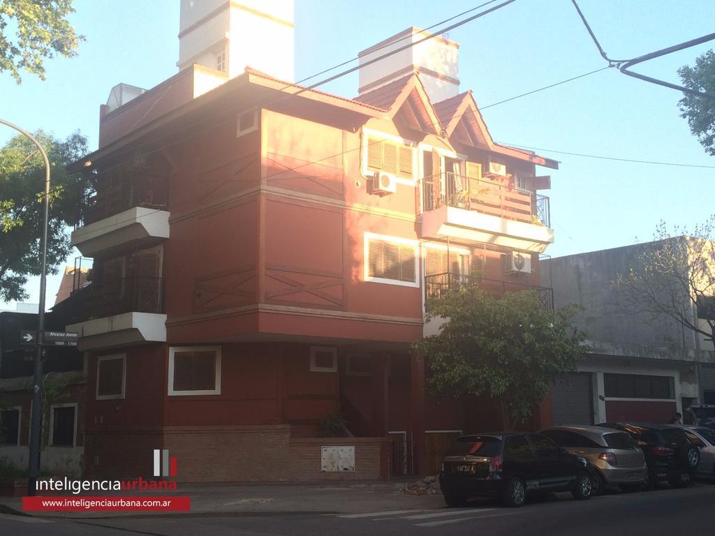 Magnífico PH duplex de 4 ambientes con terraza, patio y cochera