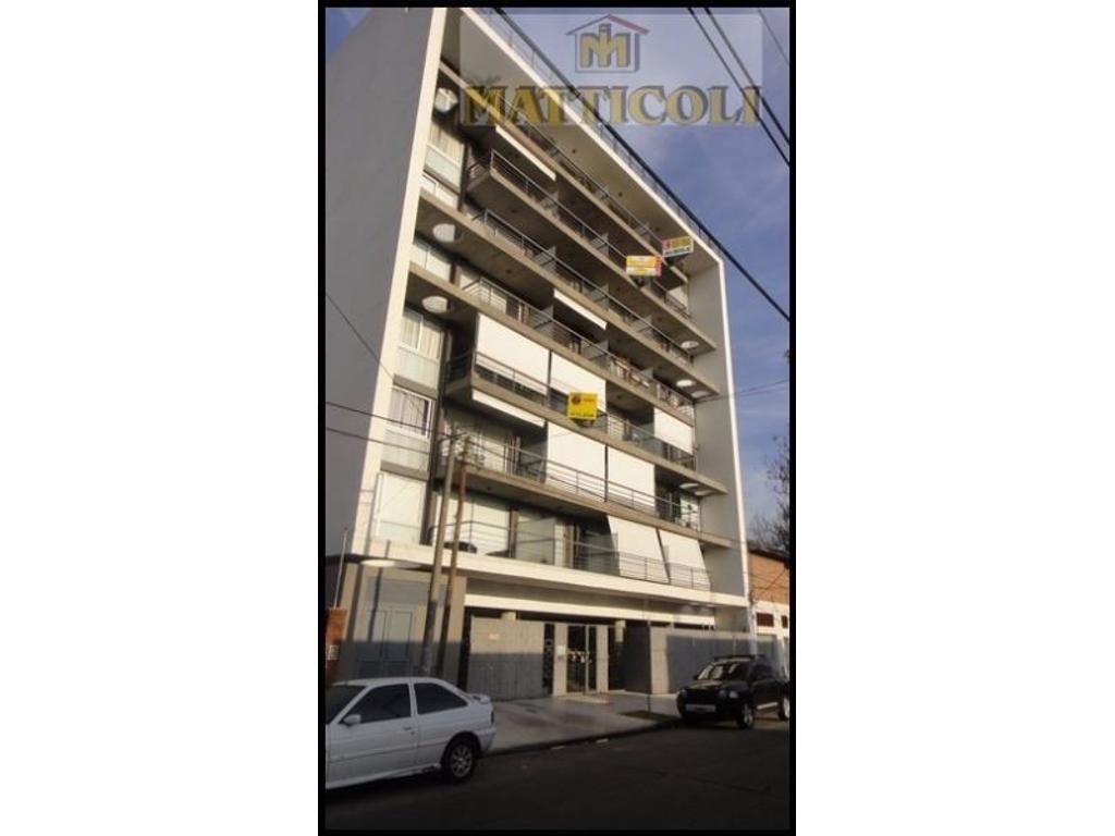 VENTA Hermoso 2 amb al contra frente con balcon. Edificio con SUM y Pileta en San Martin Centro