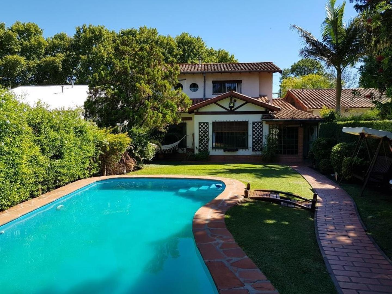 Casa en Venta en Gutierrez - 5 ambientes