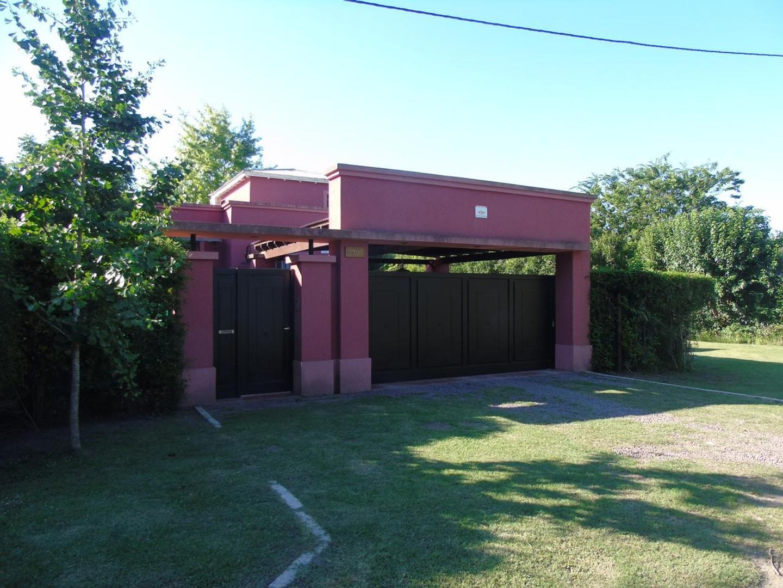 Casa en Venta 424 Esq. 136 Dacal Bienes Raices
