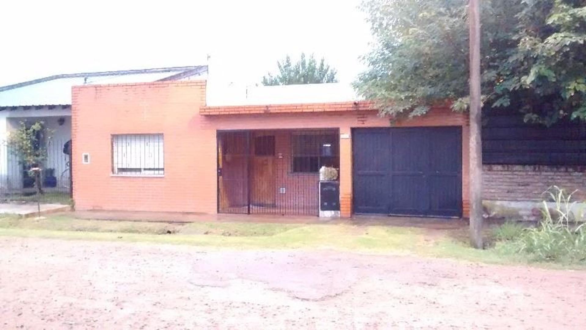 Casa 4 ambientes c/Garaje. Barrio Tobal. Merlo. GBA