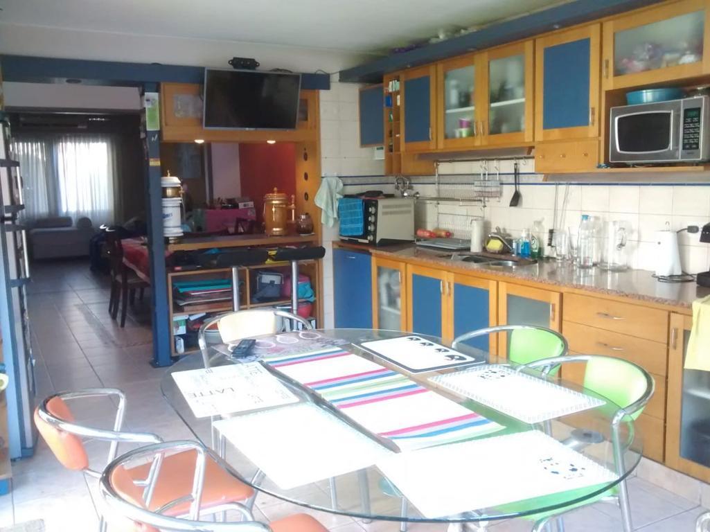 Casa en Olivos en Excelente Estado -  España , Olivos, Vicente López