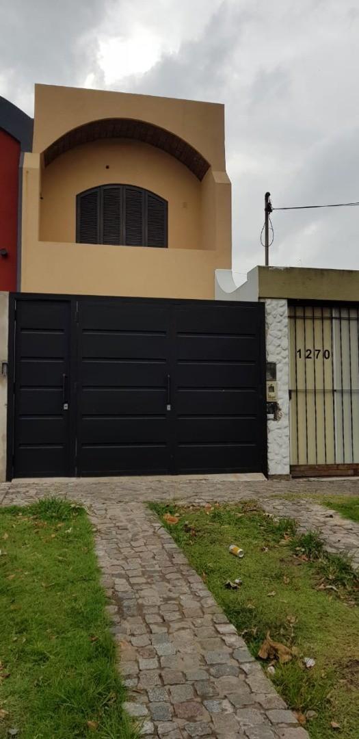 Casa en Alquiler en Quilmes Oeste - 3 ambientes