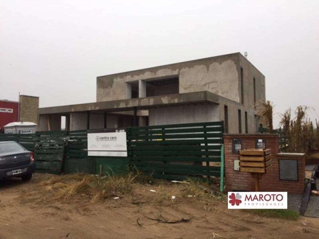 Costa Esmeralda - Casa en venta en barrio Ecuestre