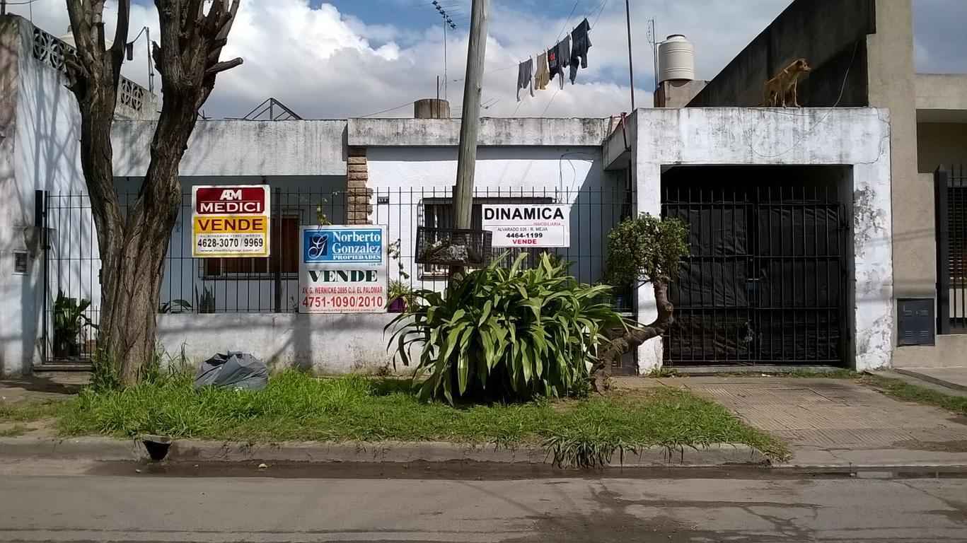 Casa de tres amb sobre lote de 10 x15 apto credito hipotecario media cuadra acceso oeste