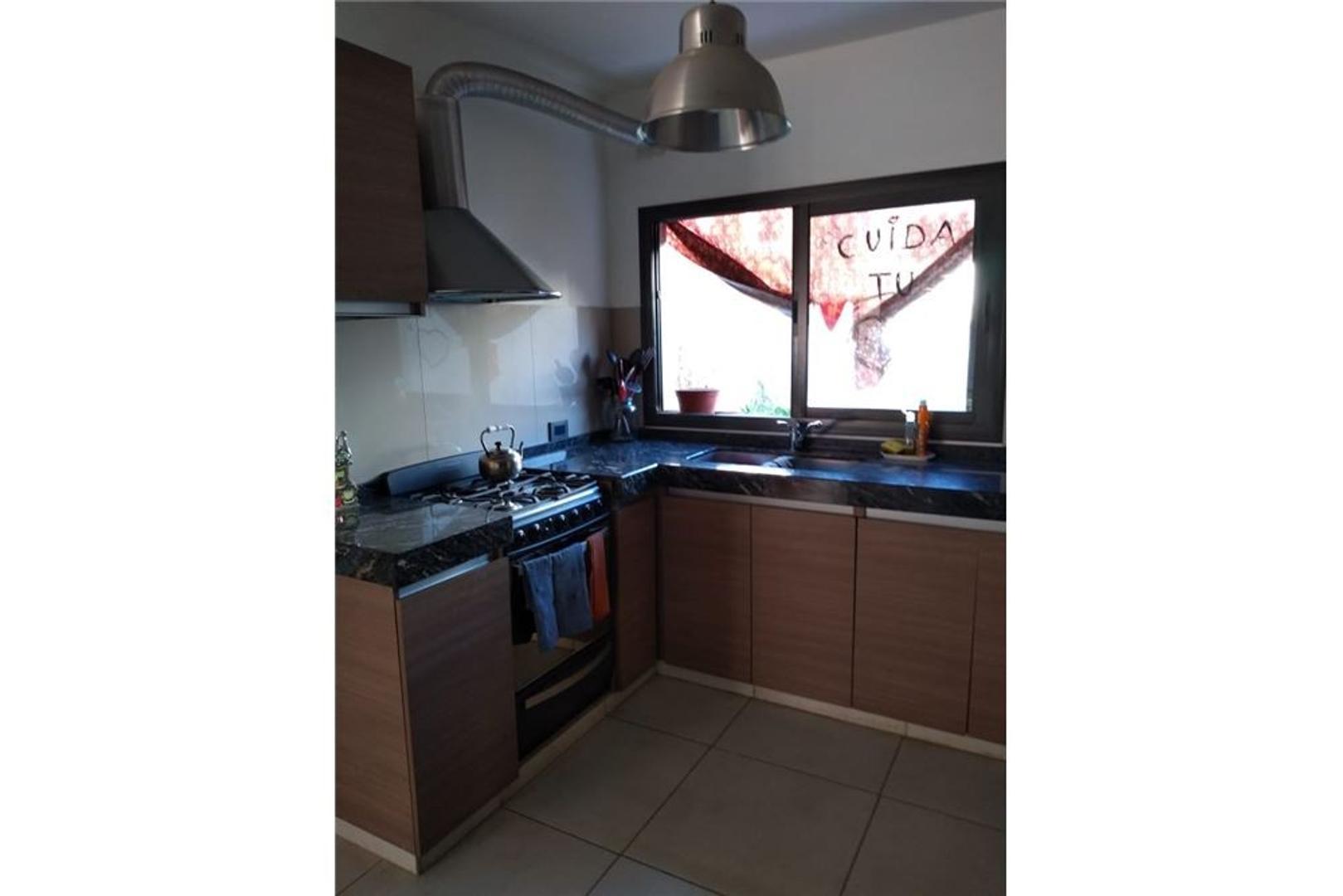 Casa en Venta - 6 ambientes - USD 159.000