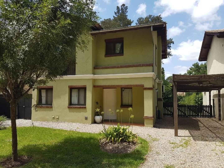 Excelente casa en venta en el barrio cerrado Casas del Bosque