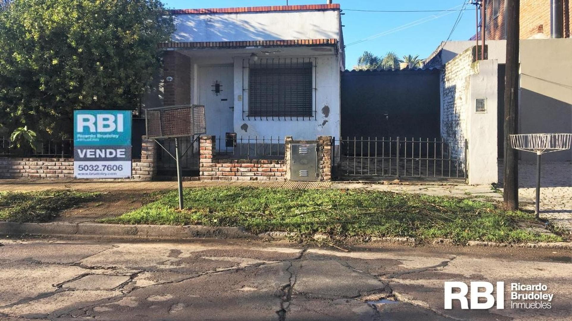 Casa en Venta en San Isidro Vias / Rolon - 3 ambientes