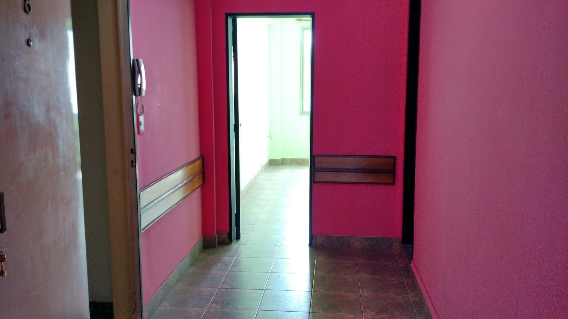 2 Oficinas 32m2 c/u,Ambos c/ Bañoo c/  Ducha y A/A
