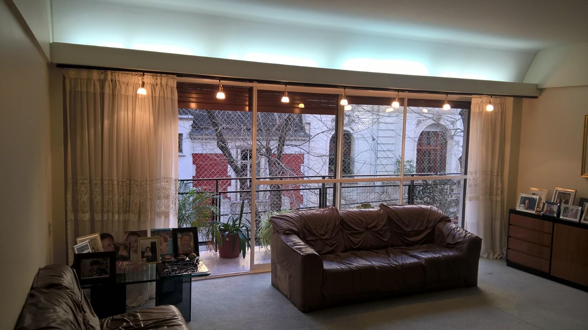 Excelente piso de 4 Amb. c/dep y Cochera. Caballito. Rep. de Indonesia 0-100
