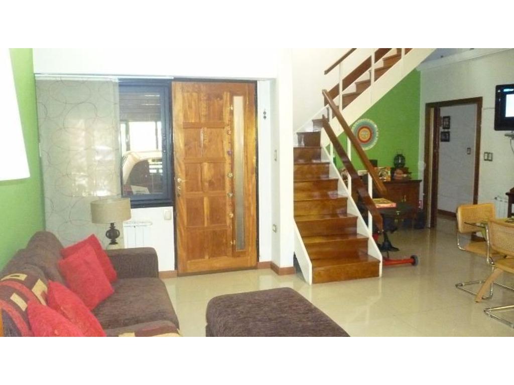 Vendo casa Impecable en Villa del Parque, luminosa, de amplios ambientes con detalles de confort!