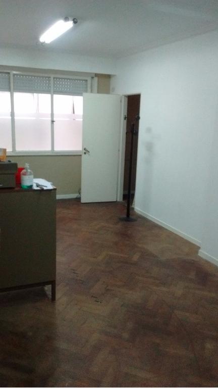 Vendo dos ambientes, cocina, baño y lavadero completos.