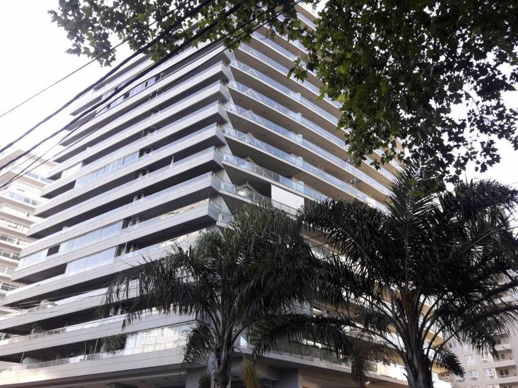 Torre Mayor- Departamento en de dos ambientes con vista al río.