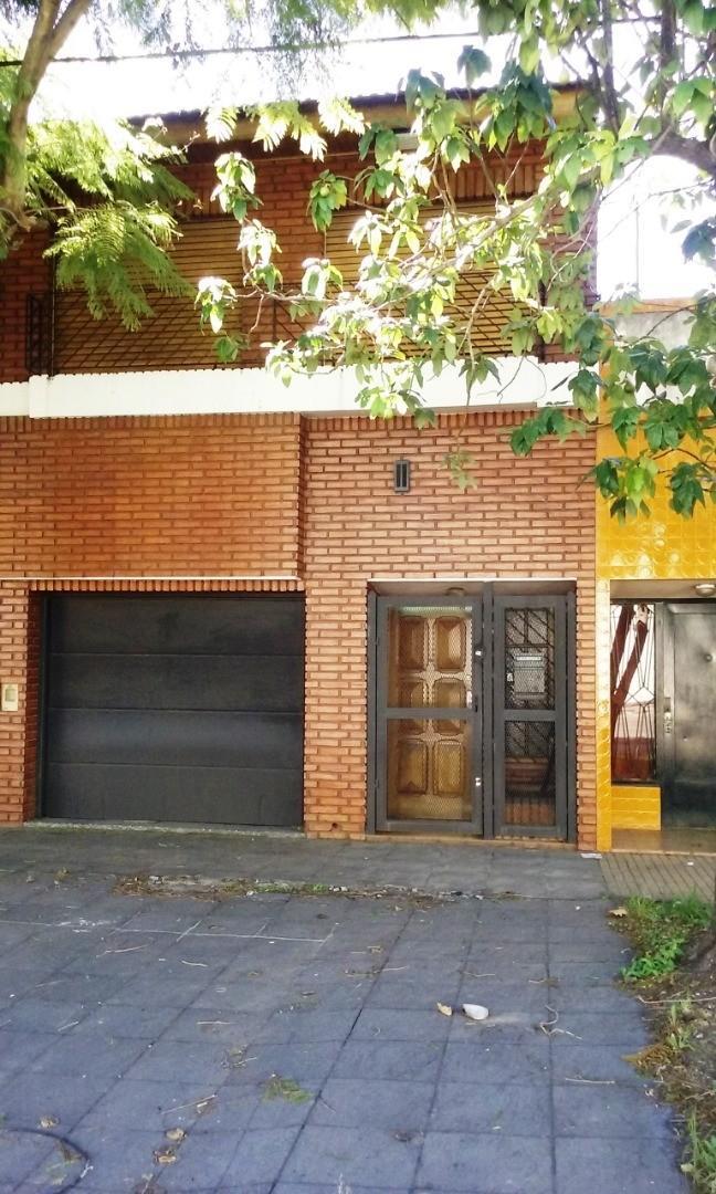 Casa en Alquiler en Quilmes Oeste - 4 ambientes
