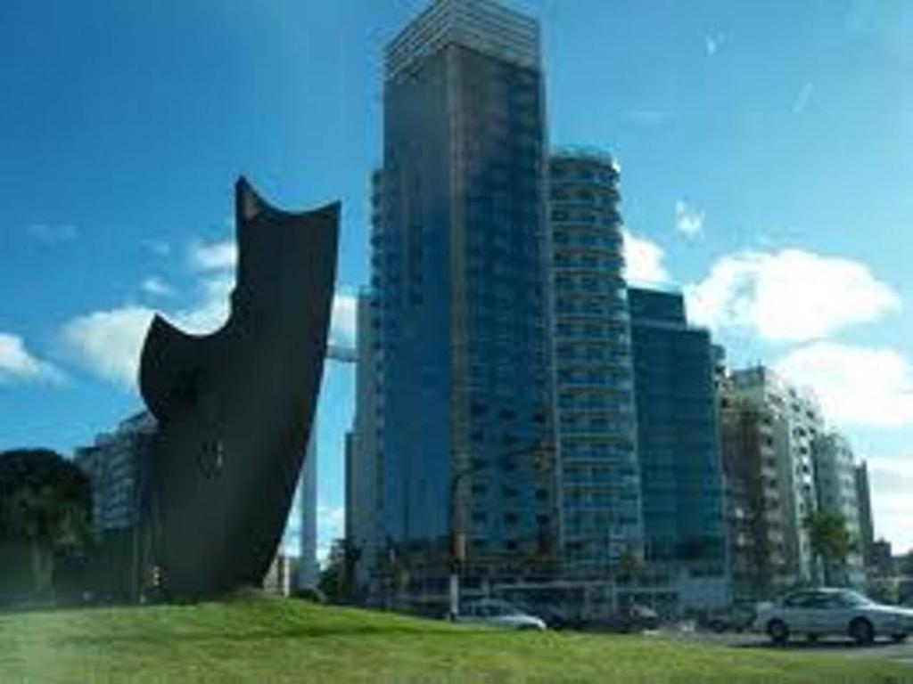 Oficina - Venta - Uruguay, Montevideo - 8 DE OCTUBRE  AL 2300