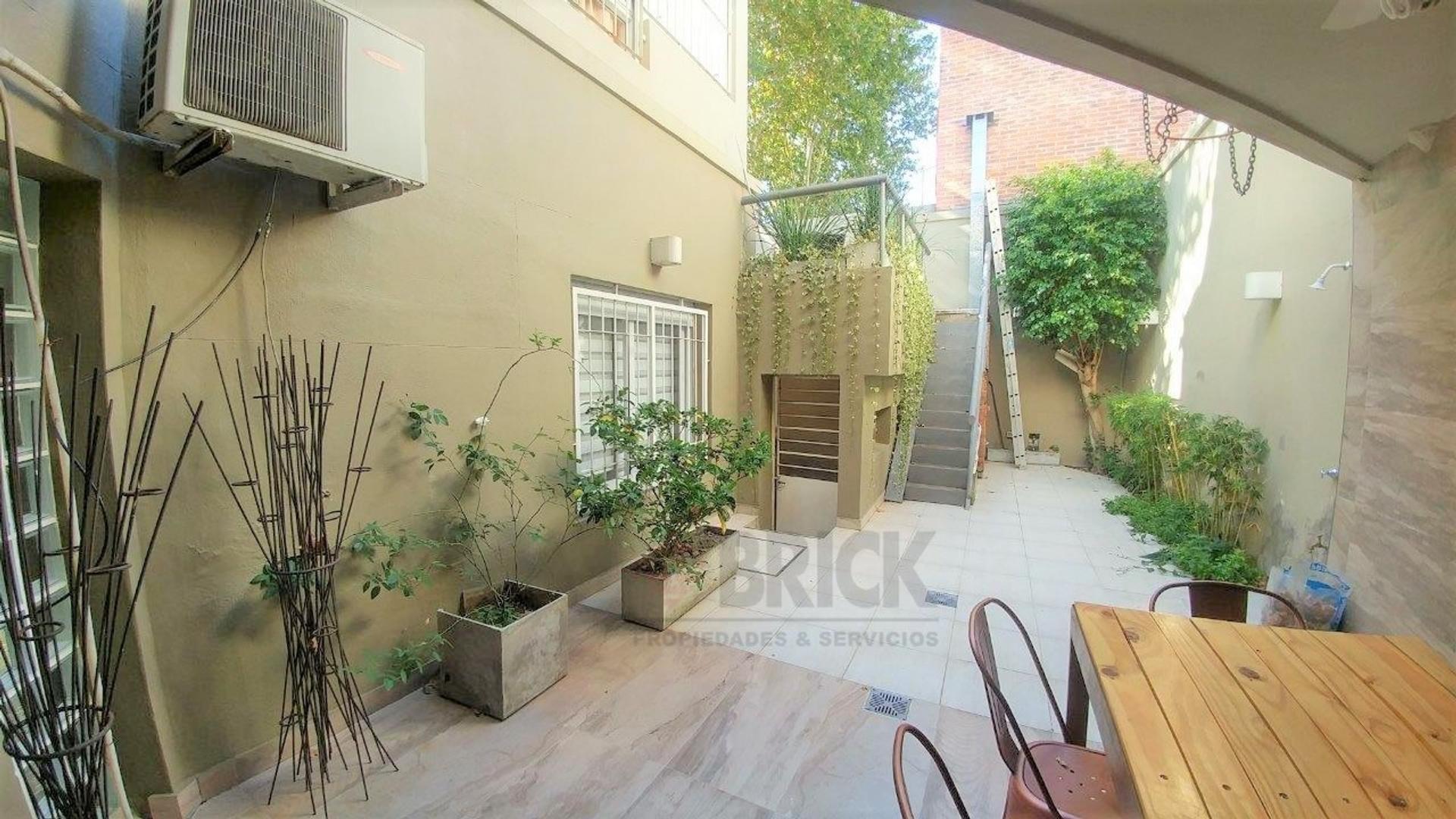 Casa - 286 m² | 5 dormitorios | 4 baños