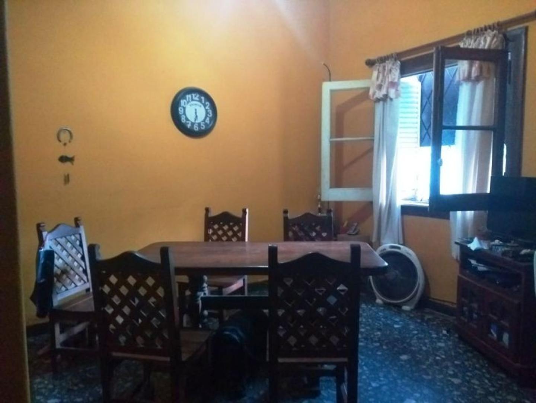 Casa en Venta - 6 ambientes - USD 230.000
