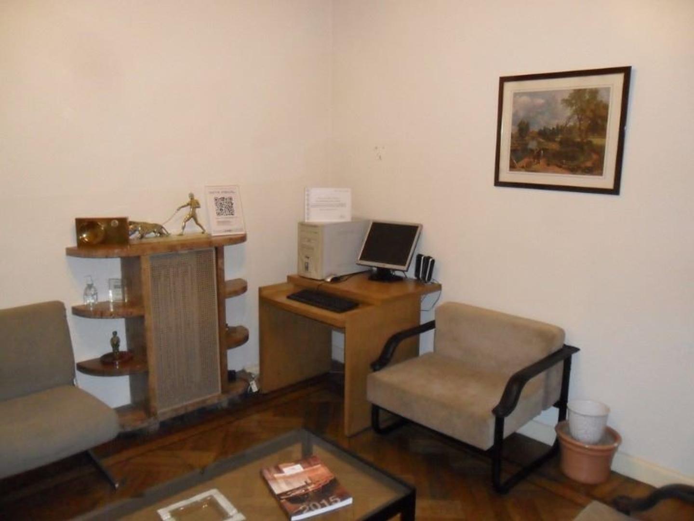 Muy buena oficina en excelente ubicación.