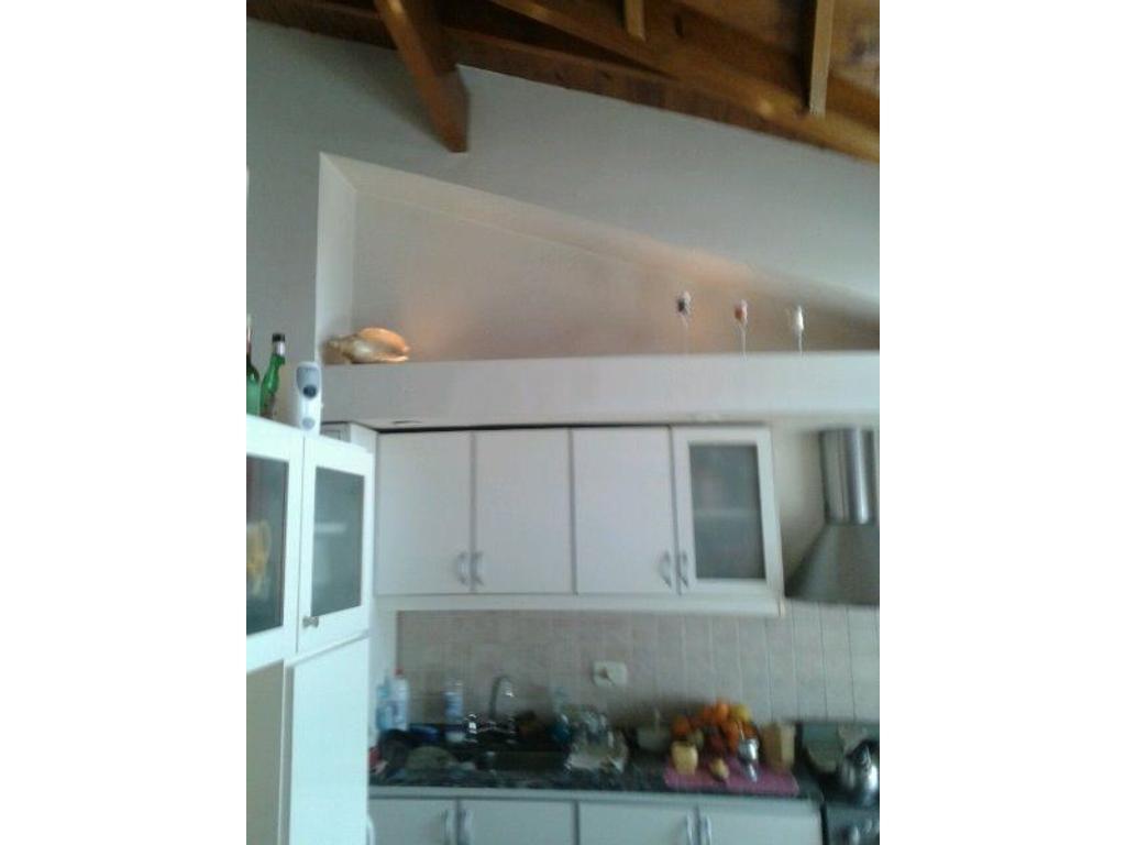 Deptarmento 3 ambientes, EXCELENTE ubicación, edificio con SUM.