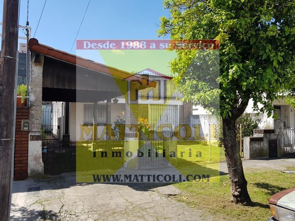 Casa 3 ambientes a refaccionar en en San Andres