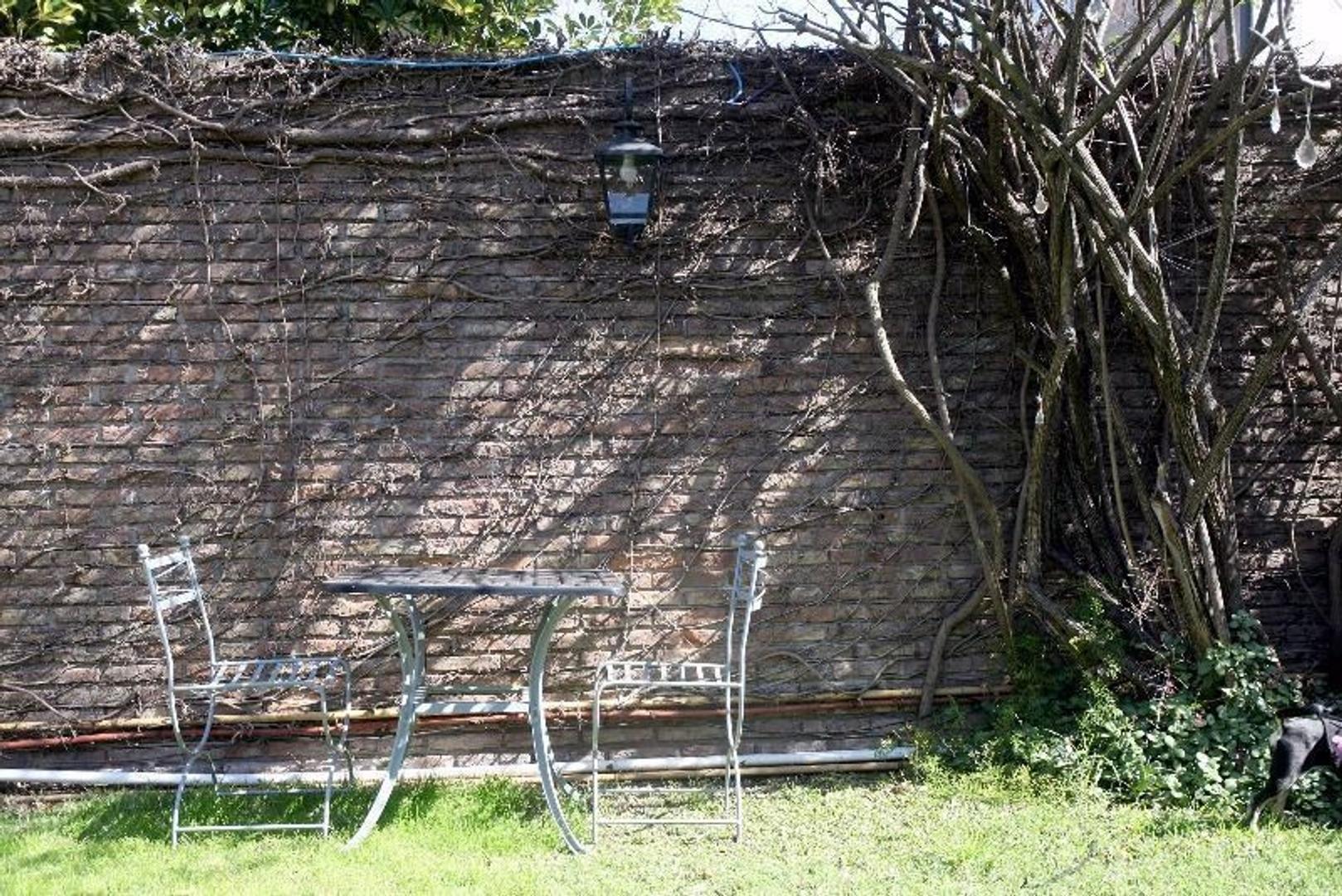 Excelente Casa +5 amb con Doble Cochera- Patio y Pileta - Foto 16