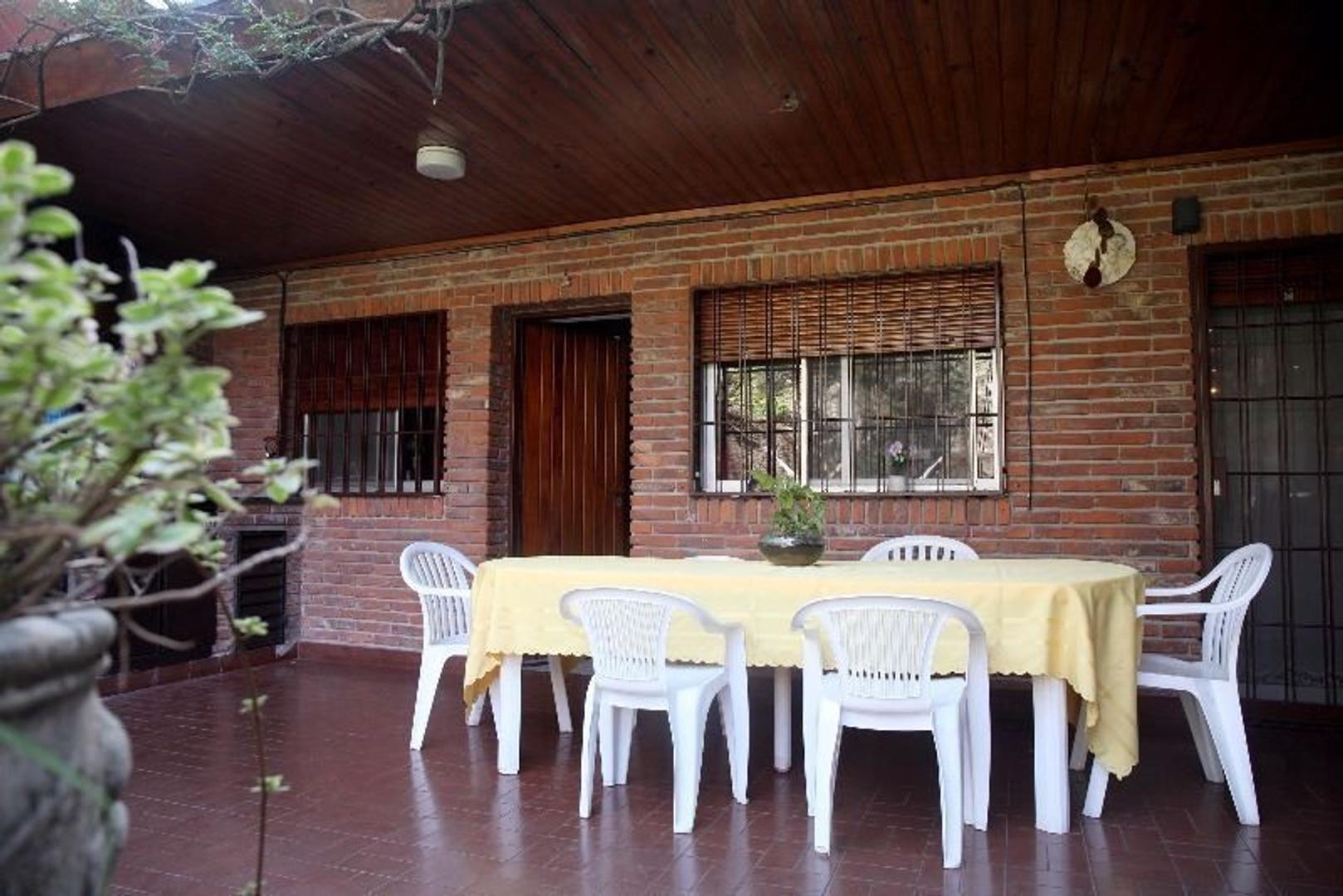 Casa en Venta con cochera