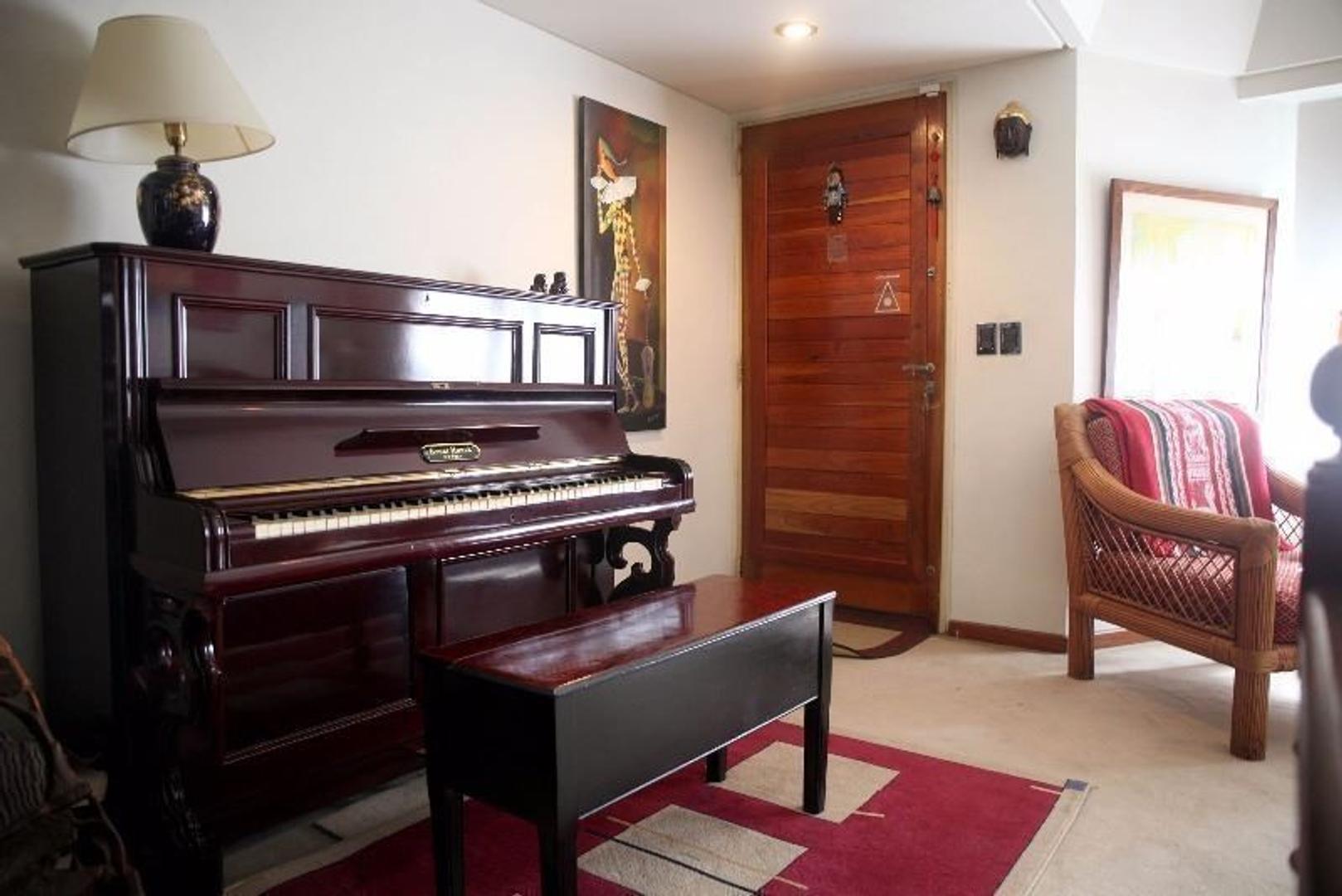 Casa - 298 m² | 4 dormitorios | 25 años