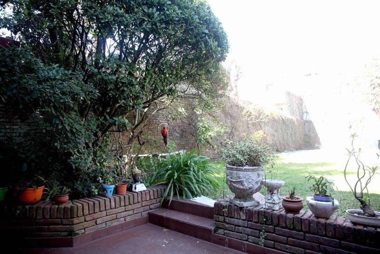 Excelente Casa +5 amb con Doble Cochera- Patio y Pileta - Foto 14