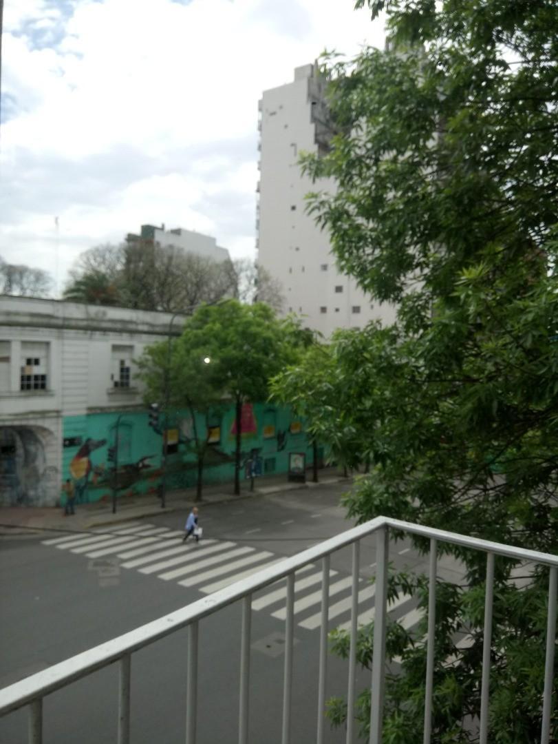 Av San Juan 300 - 2 ambientes