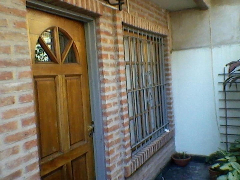 Triplex en Villa Luzuriaga, La Matanza, Buenos Aires USD 95000 - AMÉRICA 2420 (Código: 486-028)