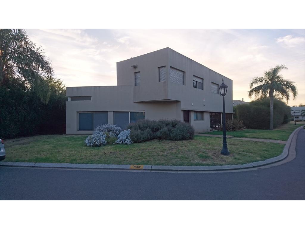 Casa en Alquiler en Funes Hills
