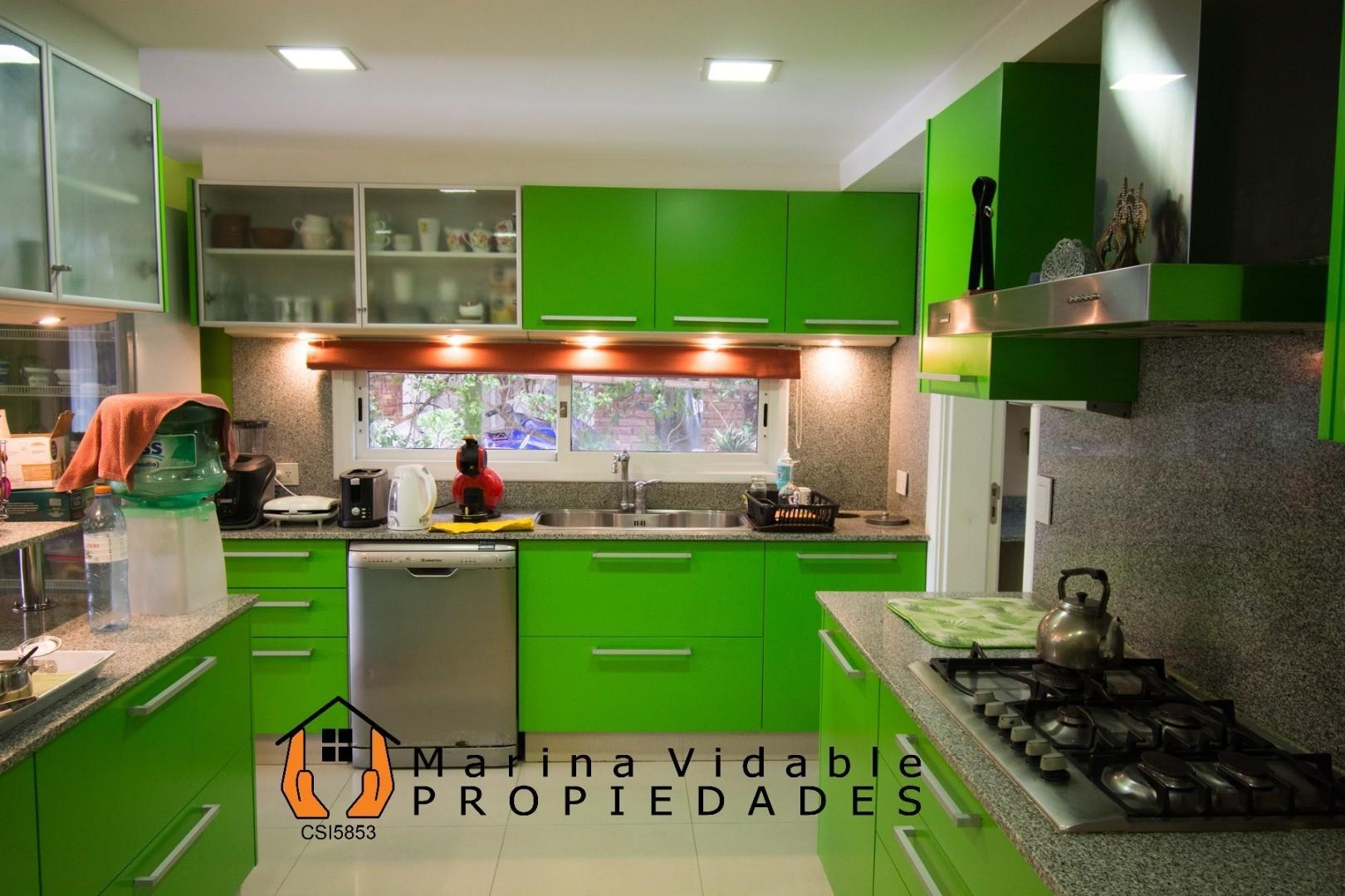 Óptima casa de 6 ambientes mas dependencia. Calidad y buen gusto. - Foto 14