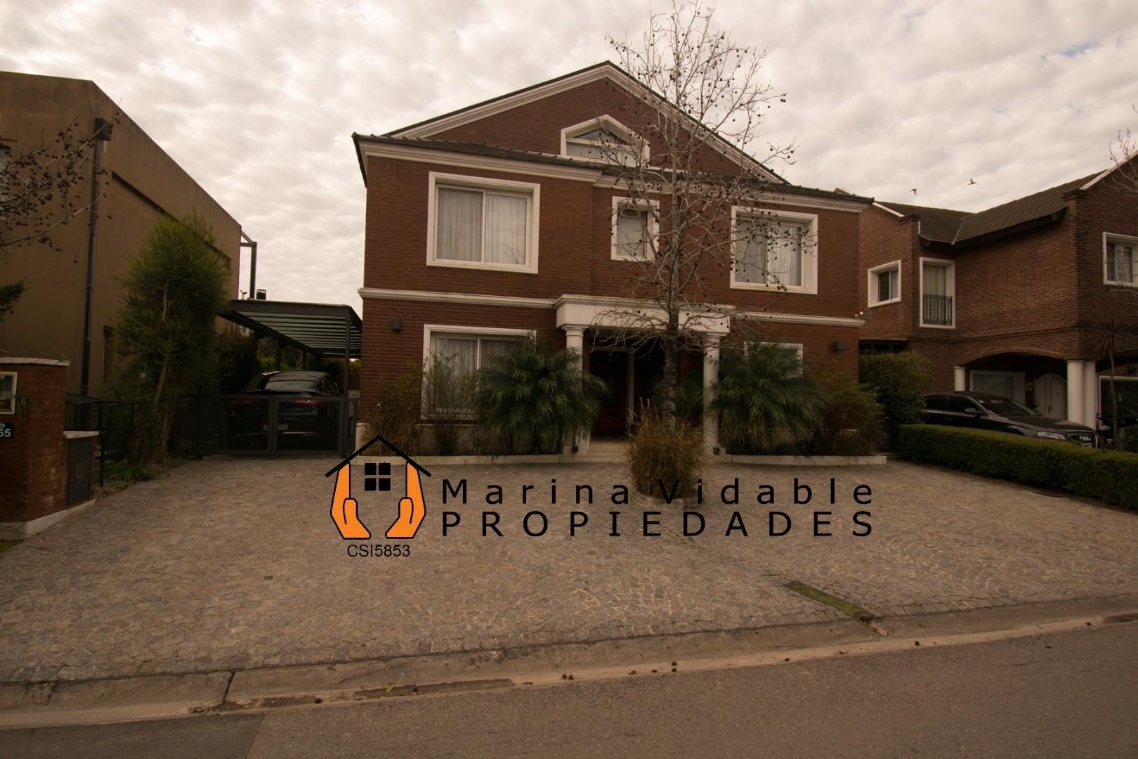 Casa en Venta - 6 ambientes - USD 580.000