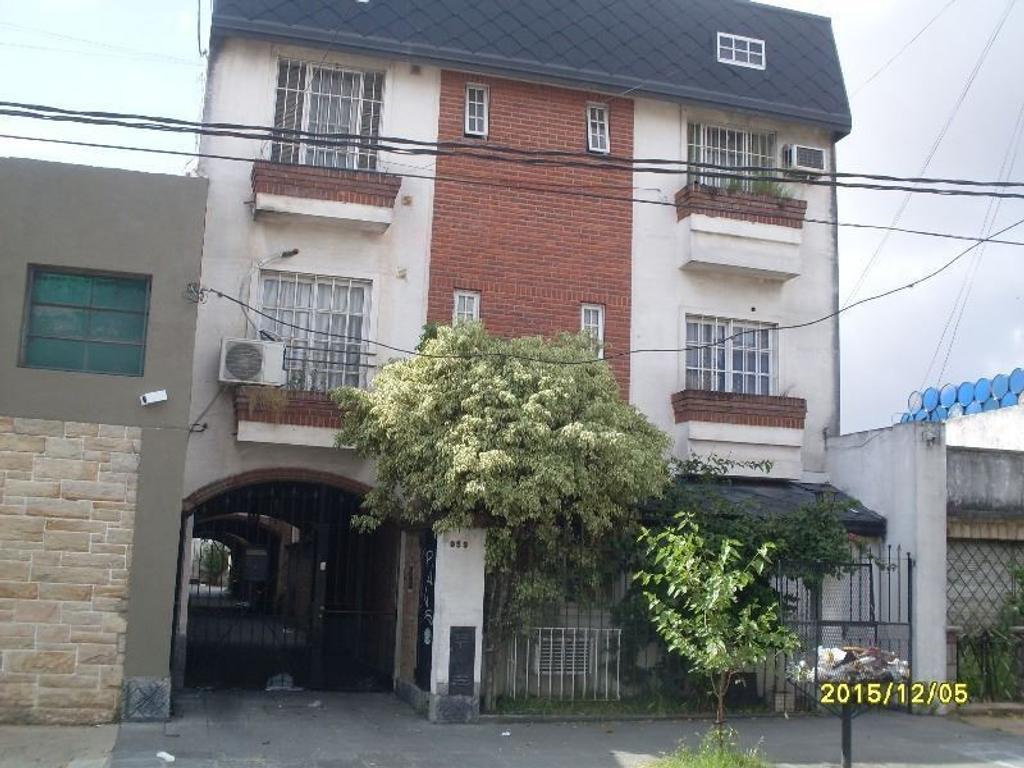 Departamento en alquiler en arenales 359 ramos mejia sur for Pisos alquiler arenales