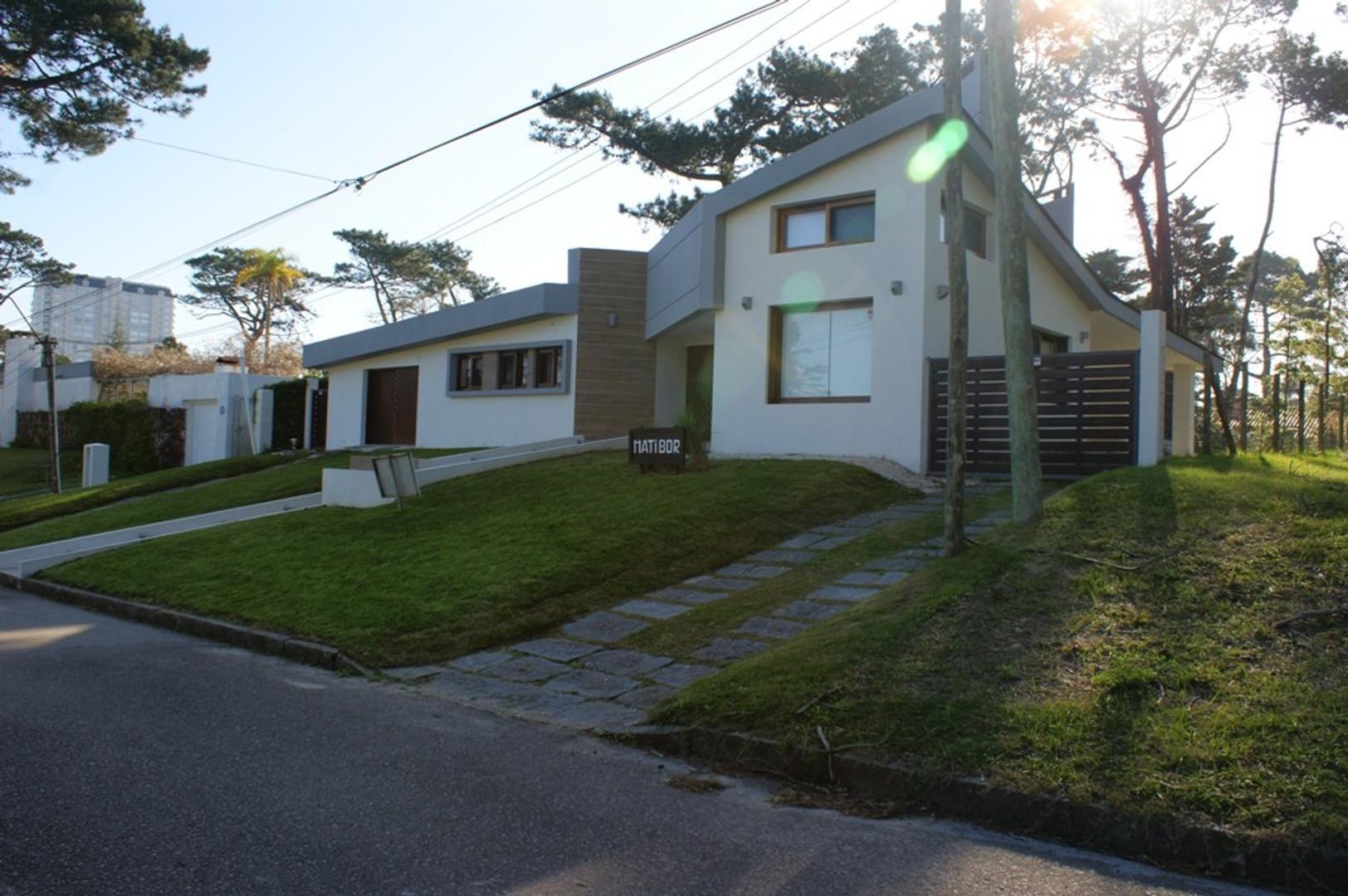 Casa en Venta en Punta del Este - 4 ambientes