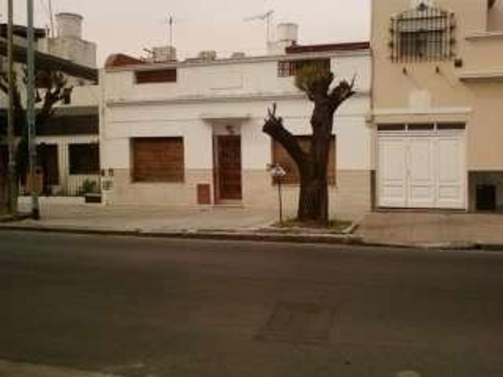 Casa en venta en ladines 2918 villa pueyrredon argenprop for Casa de azulejos en capital federal