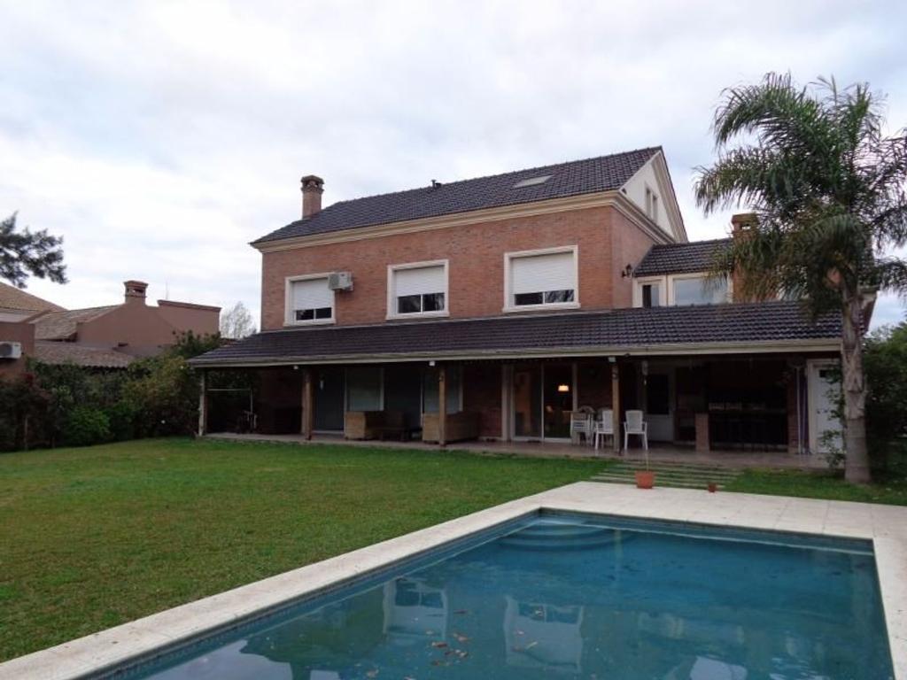 Impecable casa en La Lomada de 4 dormitorios