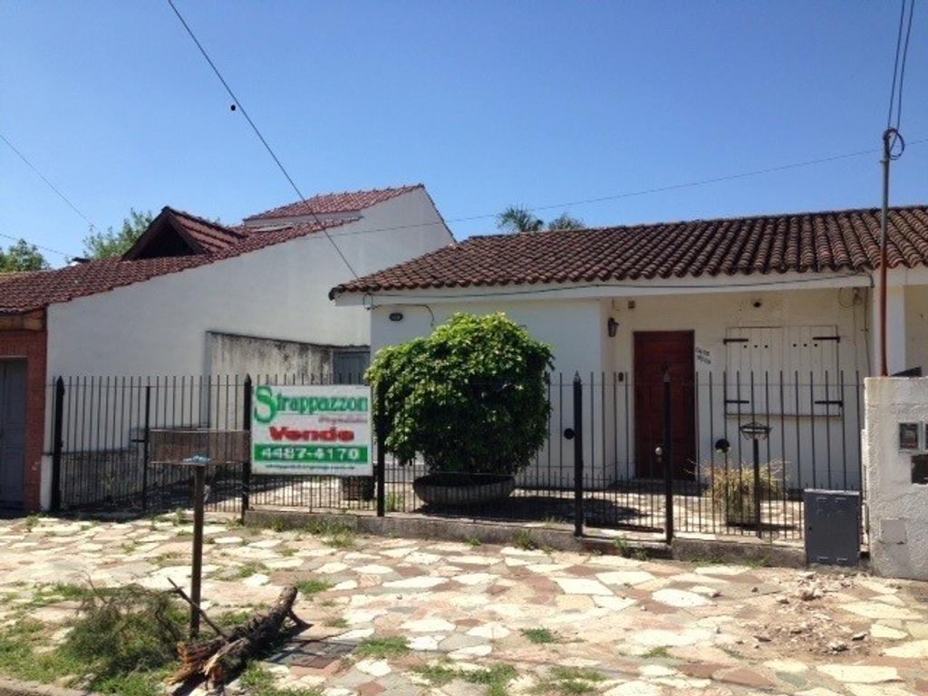 Ciudad Evita-Casa 4 Ambientes -APTO CRÉDITO-