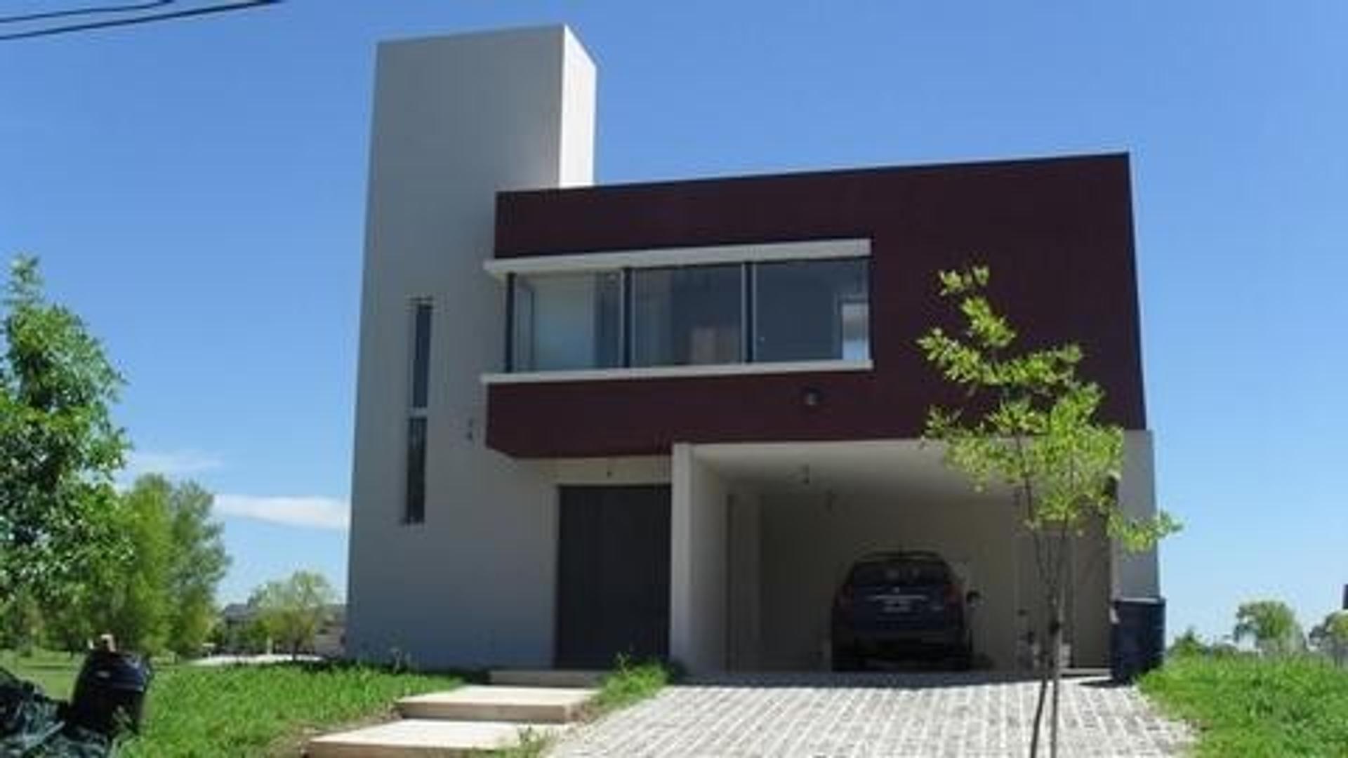 Casa en Álamo Alto
