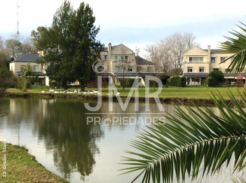 JMR Propiedades | Barrio Farm Club | Impecable Departamento Duplex en Venta
