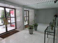 Excelente Ubicación - Vivienda/apto Profesional - Dos Ambientes Piso Alto Luminoso m Subte